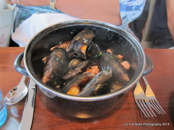 Picture of Burry Inlet Mussels, Welsh Bacon & Black Dragon Cider